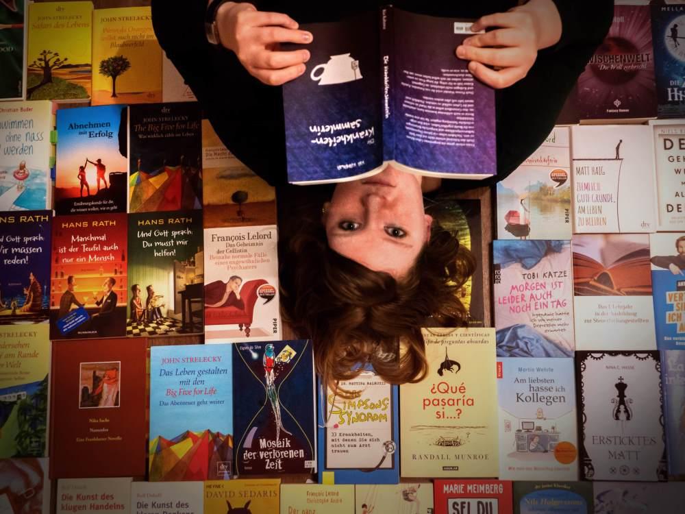 Autoren-Shelfie … und jetzt mal Tacheles!