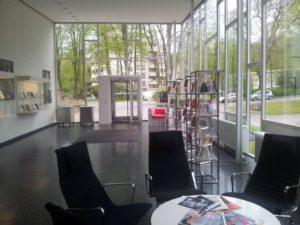 Eingangshalle des Rowohlt-Verlags